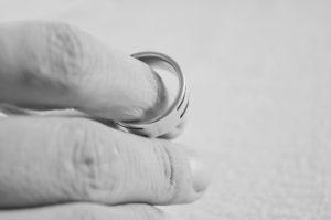 Как пережить развод с мужем или женой